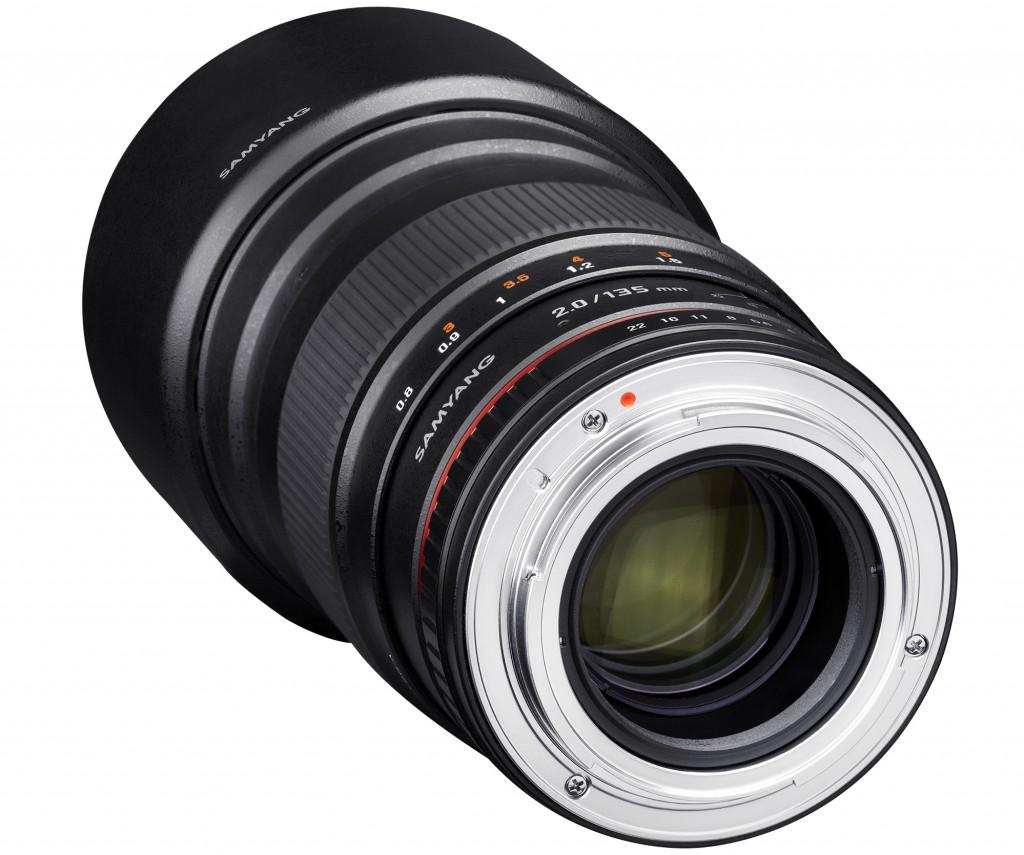 Samyang Optics-135mm-F2.0-camera lenses-photo lenses-detail_4